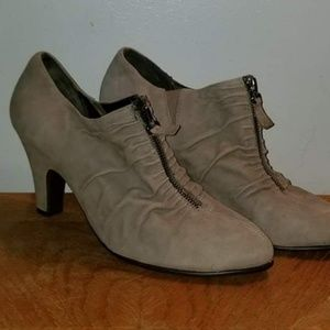 Women's size 12 tan heel booties
